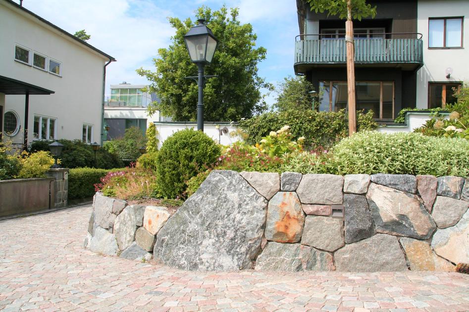 Bromma 2, granitmur och smågatsten