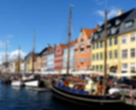Colourful_façades_along_Nyhavn.jpg