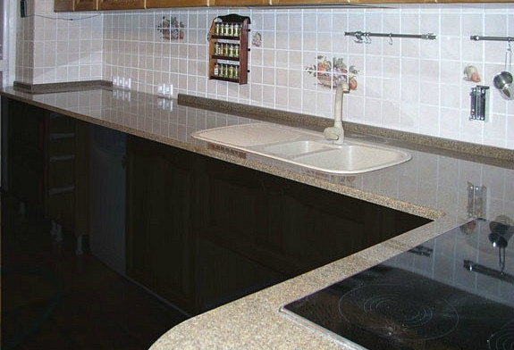 Столешница кухонная из кварца