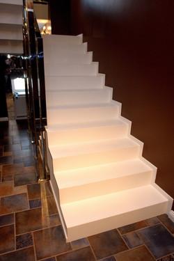 Лестница из белого камня Tristone