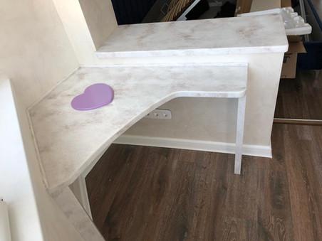 Балконный столик