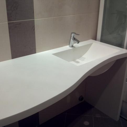Радиусная столешница в ванную