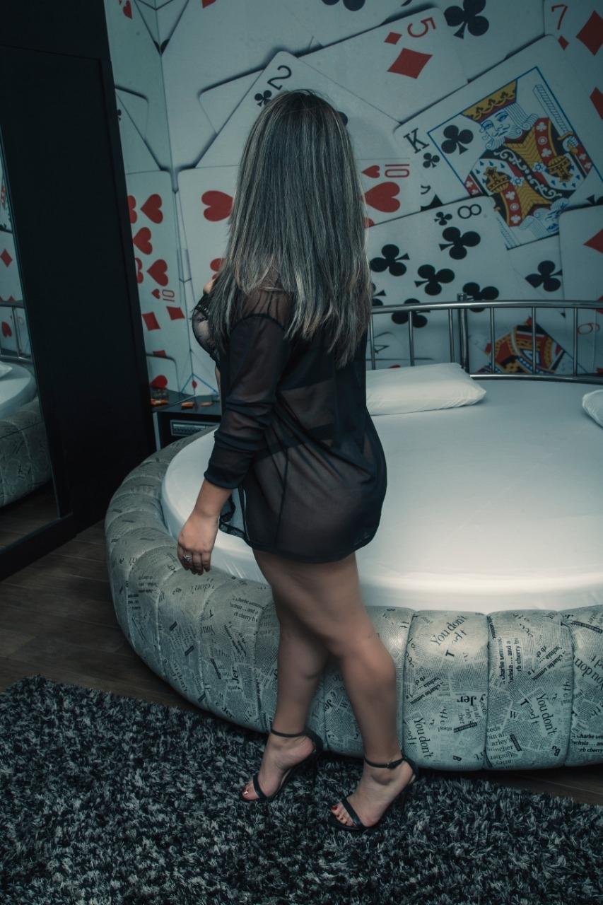 Sara Bitencourt,,,,