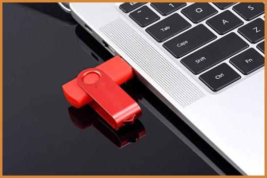 M3.3 -- Spinner USB Flash Memory