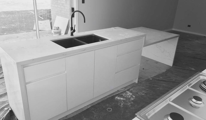 Engineered Stone 40mm Edge and Waterfall End