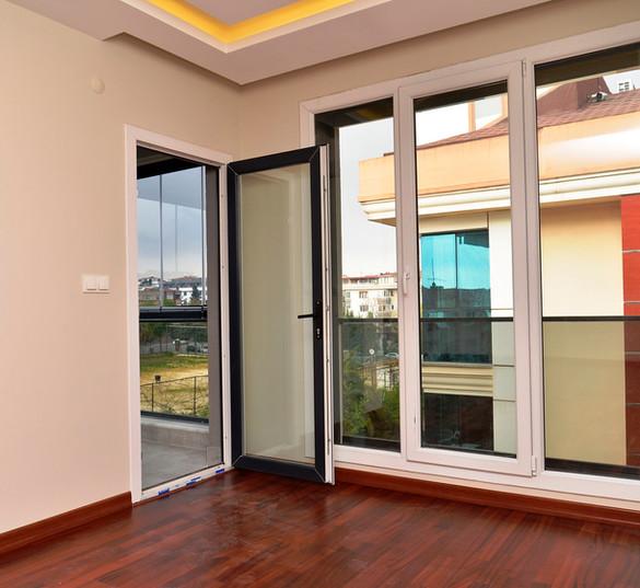 Sedef-konagi-no-14-balkon
