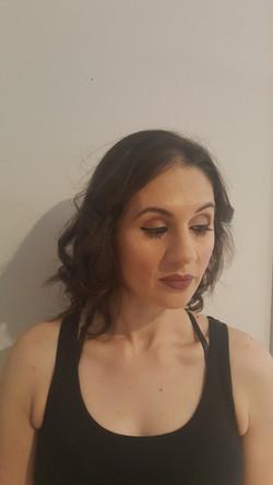 Natural curl and make up