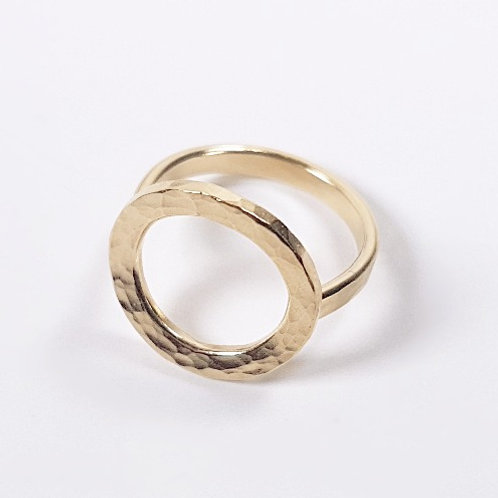 Gold ring Simple circle