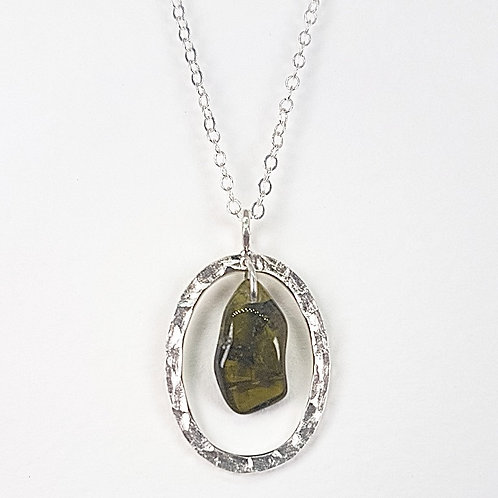 Silver pendant The Dewdrop with Peridot stone