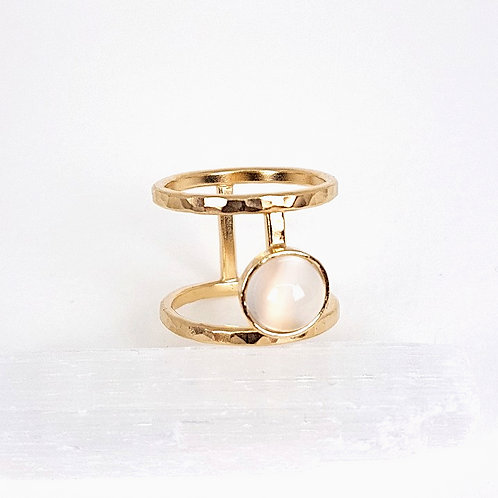 Gold ring with Moonstone