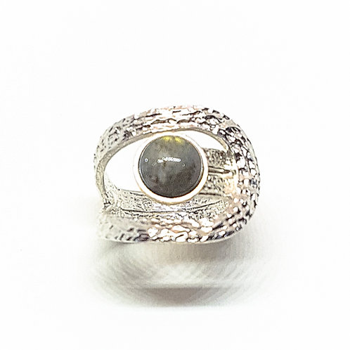 Engraving silver ring with Labradorite stone