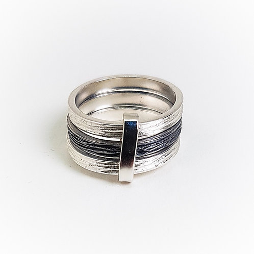 Multicolor silver with oxidized silver triple ring