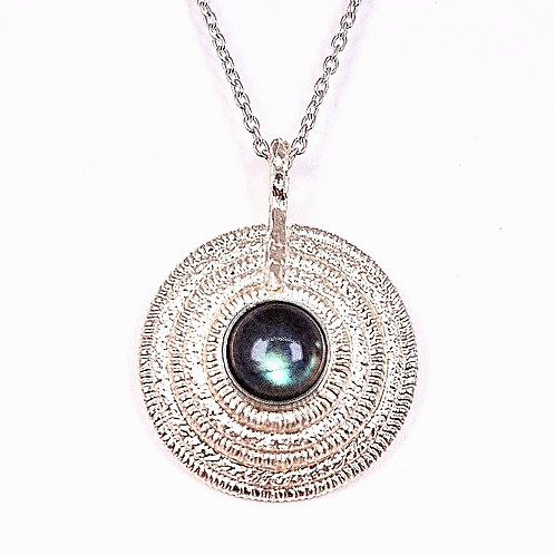 Amazing silver pendant with Labradorite stone