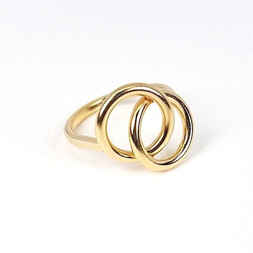 Gold Interlocking circles ring