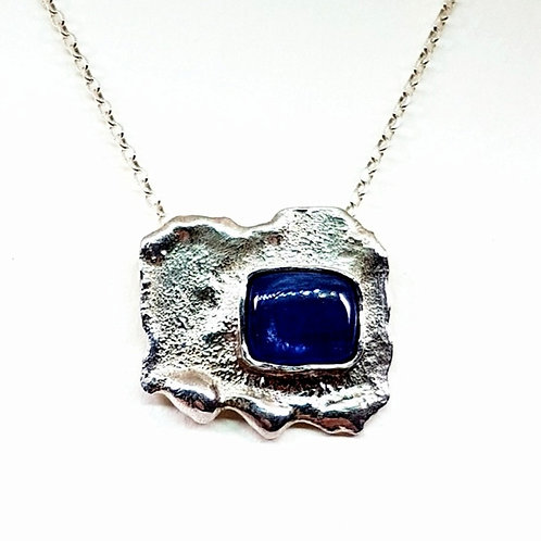 Reticulated silver pendant with Kyanite stone