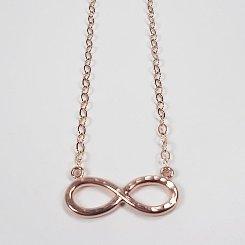 Rose gold hammered pendant Infinity