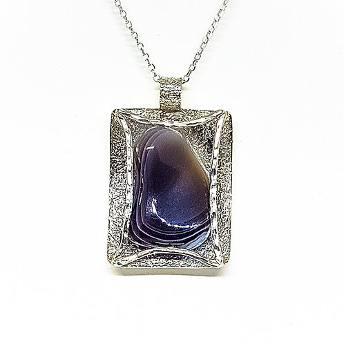 Sterling silver pendant with Row Grey Agate