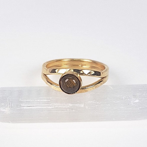 Gold ring with Tiger's eye stone