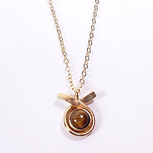 Gold pendant with Tiger's eyestone