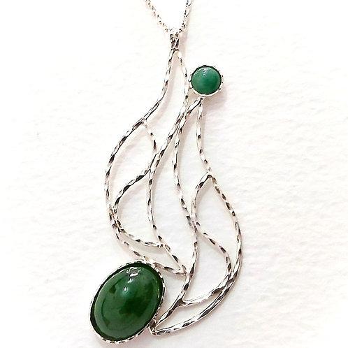 Amazing handmade silver pendantwith Green Avanturine stones