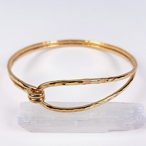 Great gold hammered doble bracelet