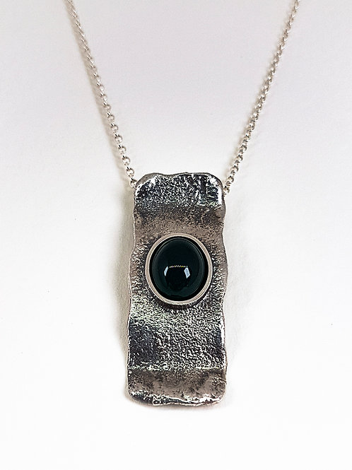 Unformed  silver pendant with Green Agate stone