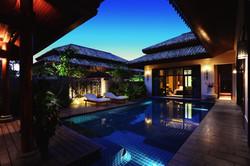 SOCIALIGHT Anantara Sanya 1013_Spa_Pool_Villa_exterior_by_night