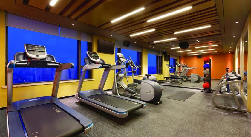 Socialight Hilton Garden Inn Dandong Gym