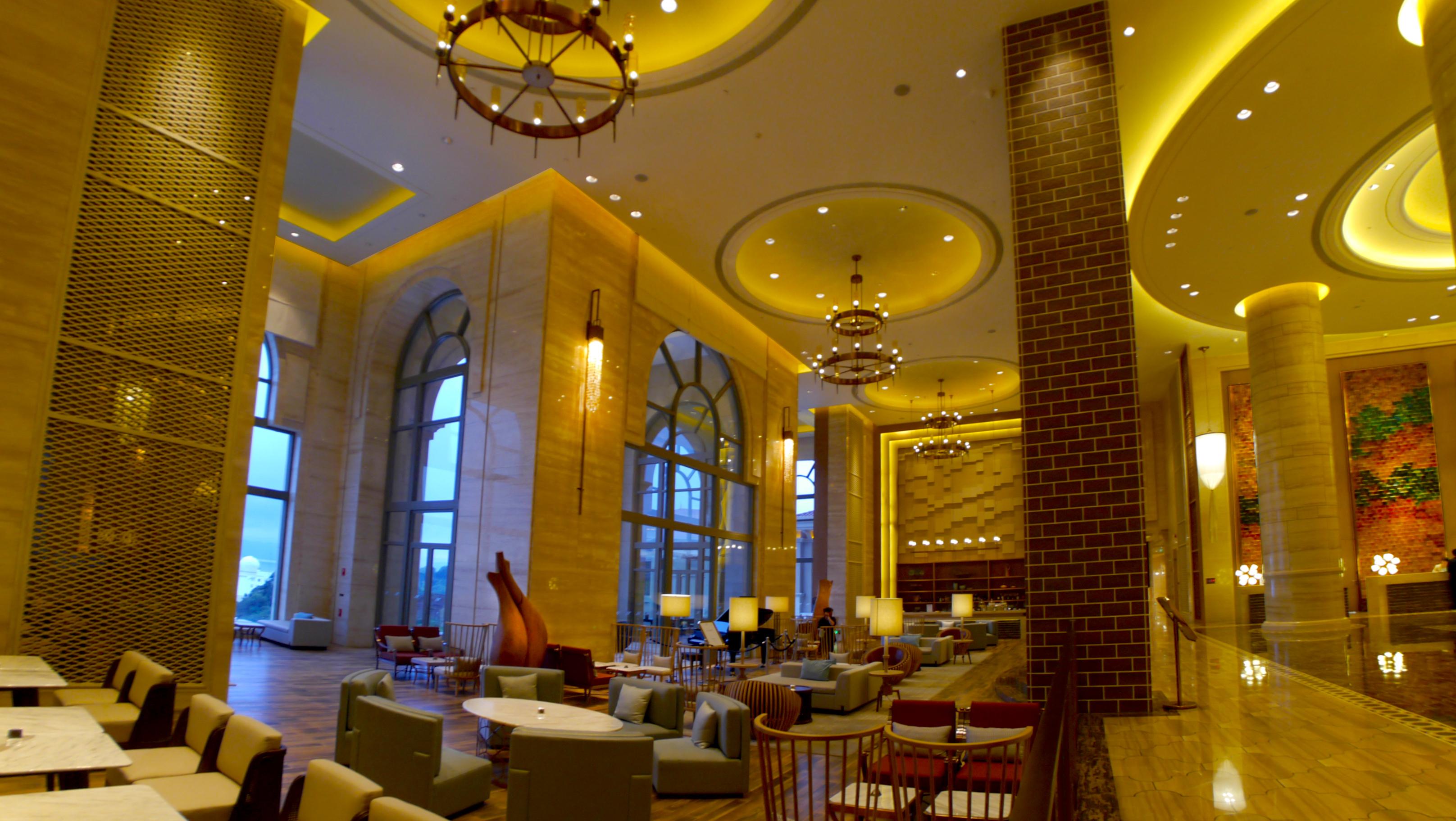 Socialight 5 Hilton Fuxian Lake Lobby 2