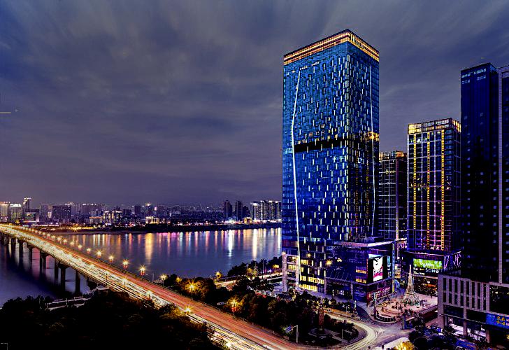 Socialight Hilton Zhuzhou Facade 1