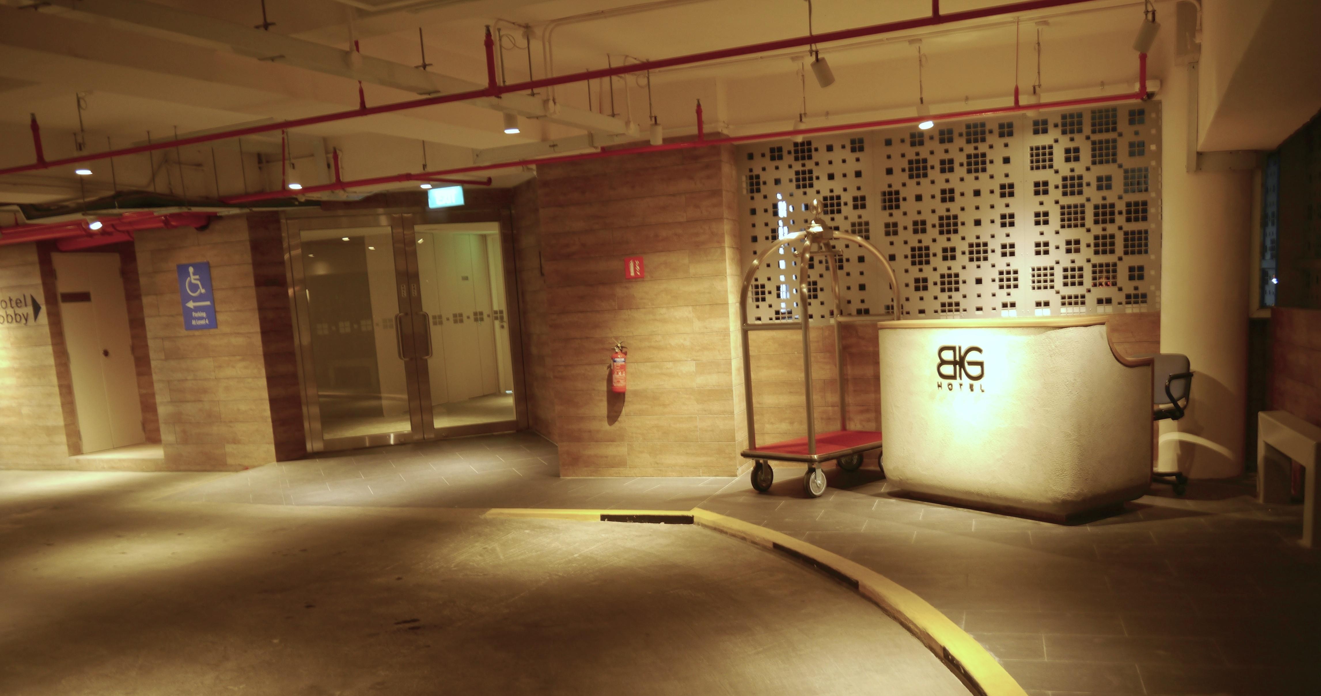 Socialight Big Hotel 6