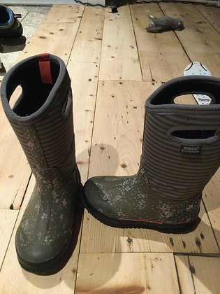 Bogs - youth size 2