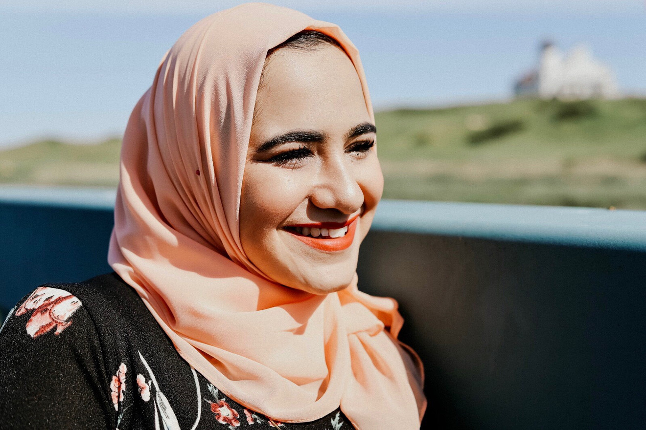had a eid shoot with donia this year and was so happy with the results! donia's such a charming, fun person and so easy to work with. i'm obnoxiously picky about my photos and donia was patient with me the entire time, both during the shoot and in the post-production. 100% recommend!  Dina
