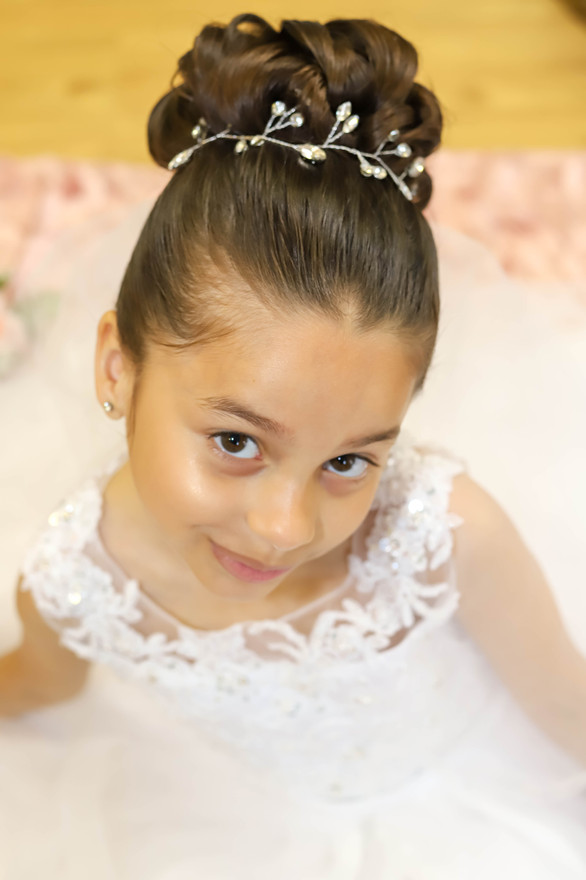 We used Donia Photography to do my daughter Communion pictures, unfortunately we were rained out so we had last minute changed of plans from outdoors to indoors. I couldn't have asked for anything more my daughters pictures came out beautiful. Donia was on time, professional and great with my daughter. She got the pictures back to me within 72 hours, I could not ask for anymore more. Highly recommend.  Melissette & Jaylin
