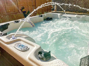 solid hot tub hire