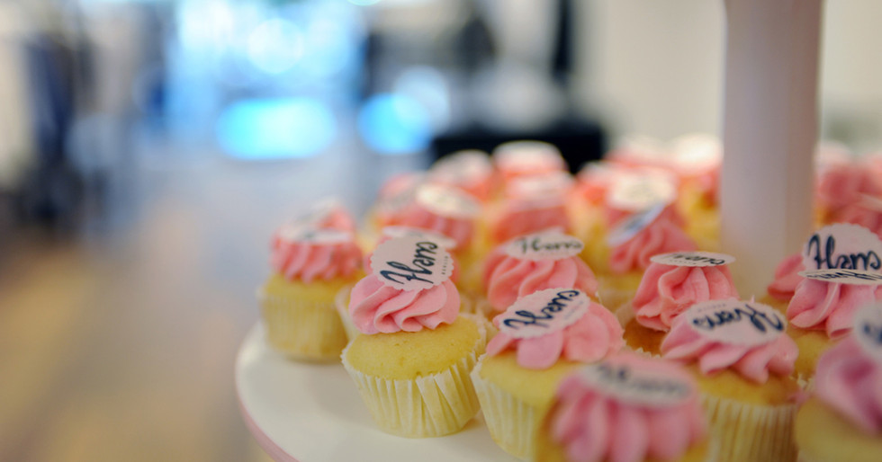 Mini Pastell Cupcakes by WOLKES CUPCAKES