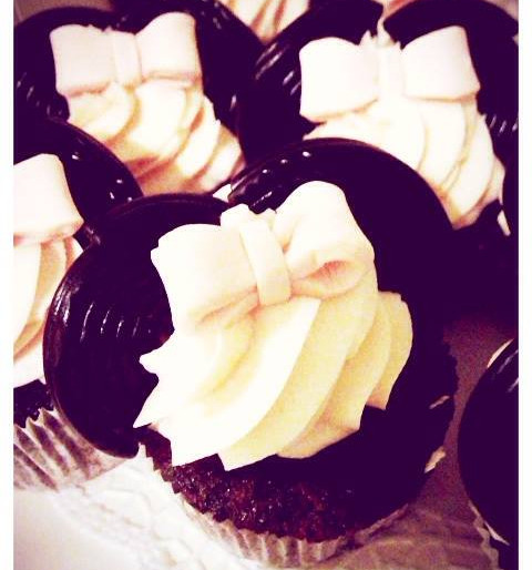 Minni Mouse Cupcakes by WOLKES CUPCAKES