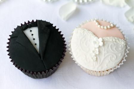 Braut_Bräutigam_Cupcakes_Hochzeit_WOLKESCUPCAKES