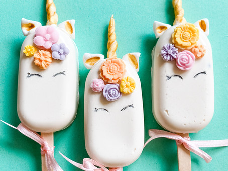 CAKESICLES by WOLKES CUPCAKES