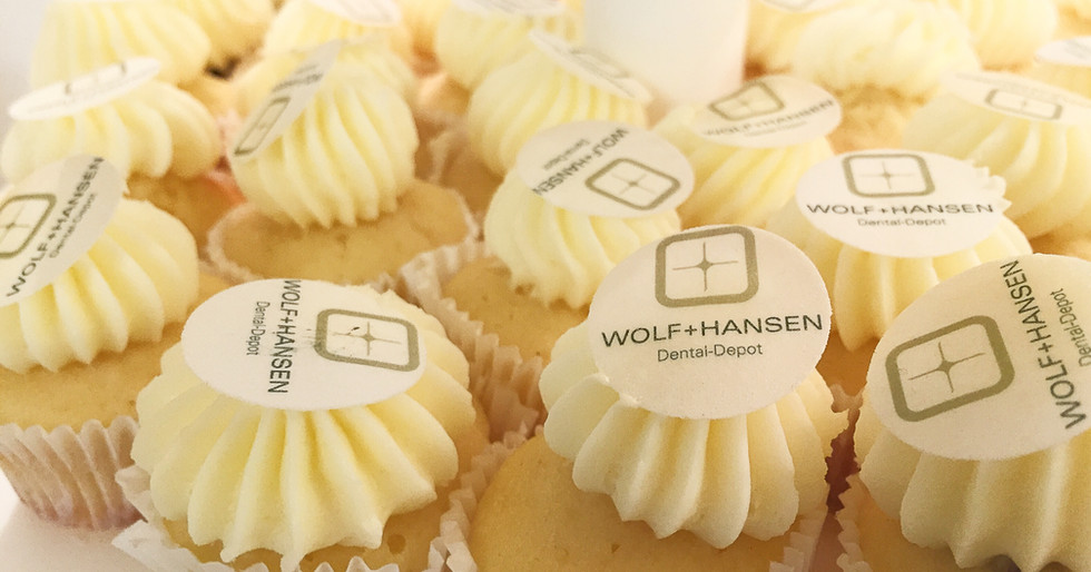 Mini Cupcakes WolfHansen by WOLKES CUPCAKES