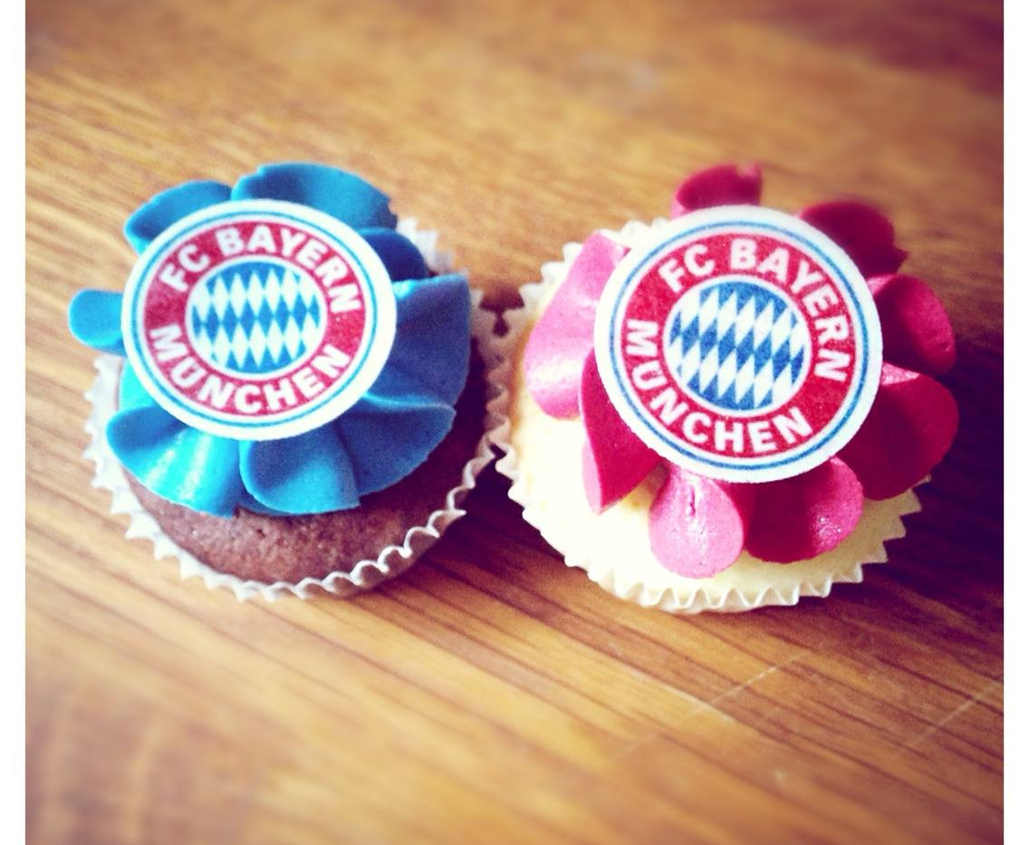 Bayern München Mini Cupcakes by WOLKES CUPCAKES
