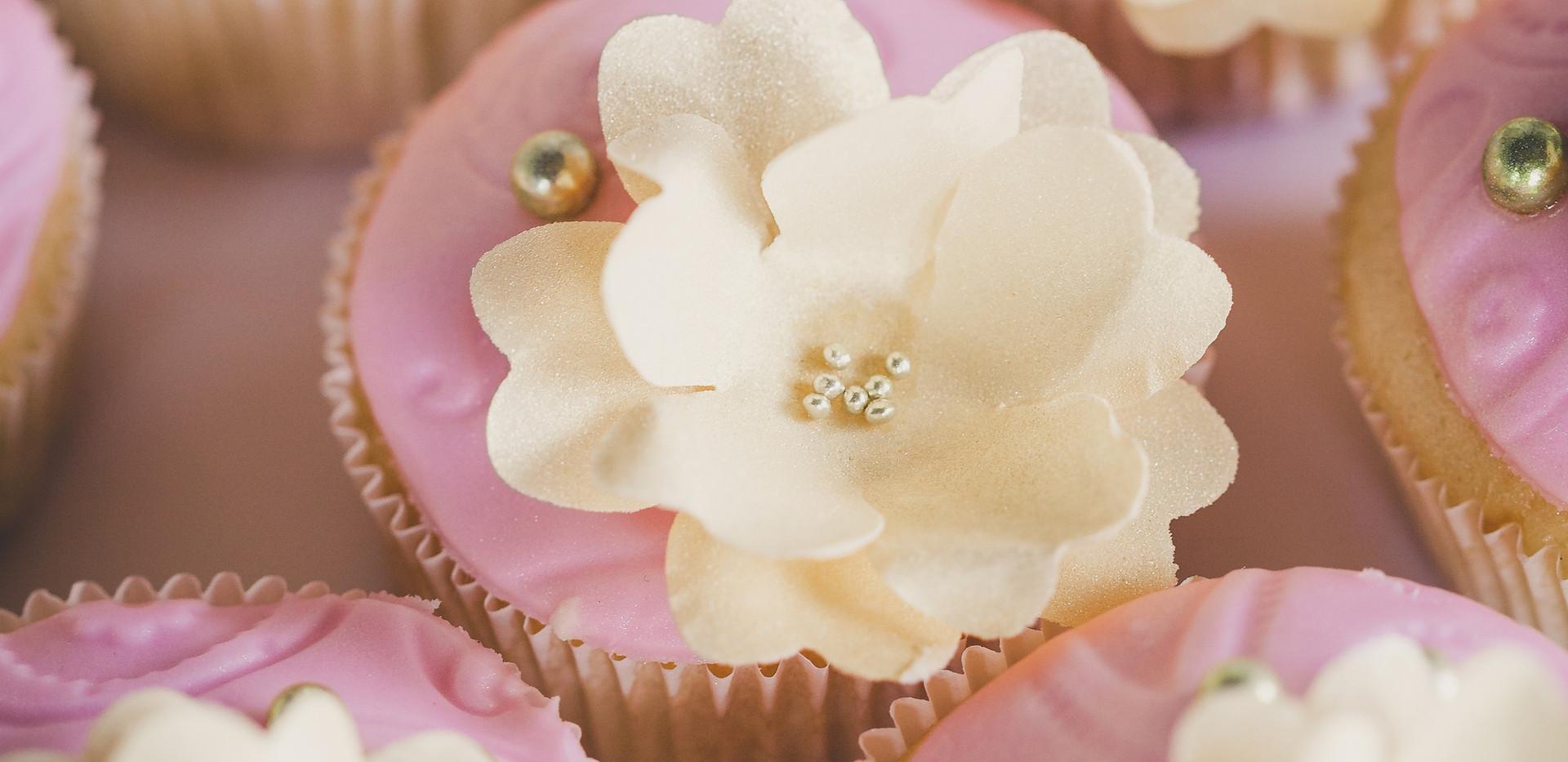 Premium Cupcakes Blumen WOLKES CUPCAKES