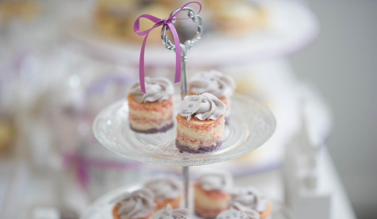 Mini Törtchen Hochzeit pastell WOLKES CUPCAKES