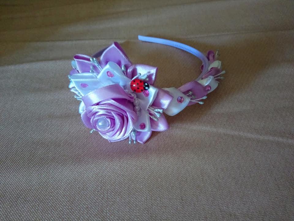 biało liliowa