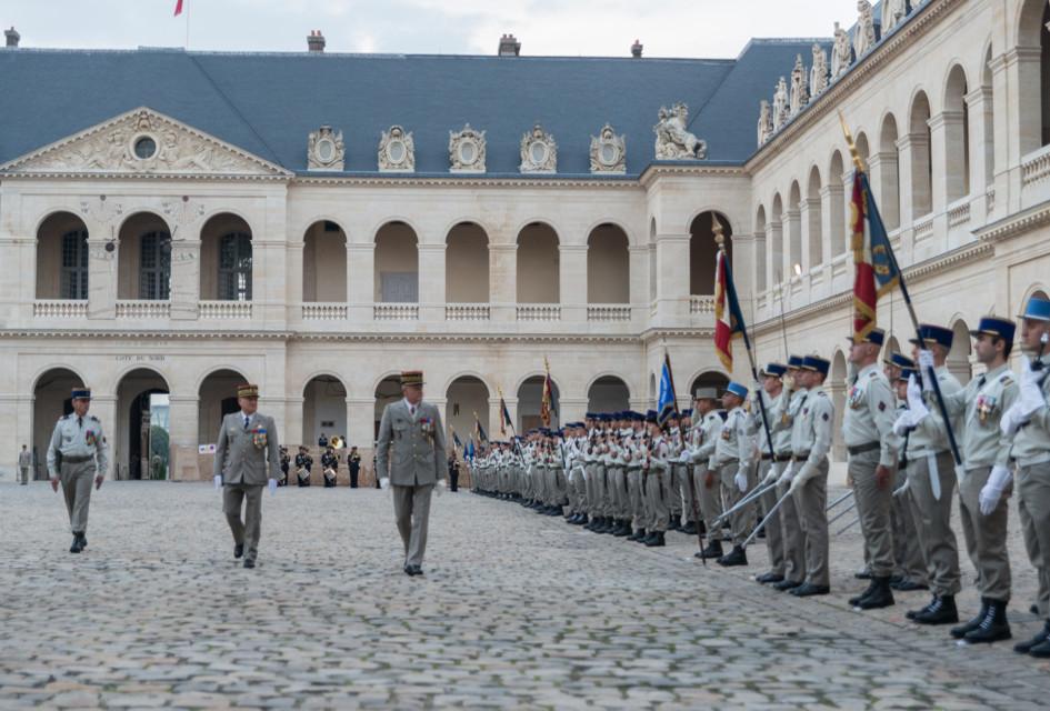 Revue de troupes.
