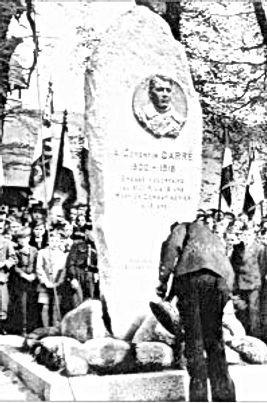 Monument à la mémoired el' adjudant Jean Corentin Carré.