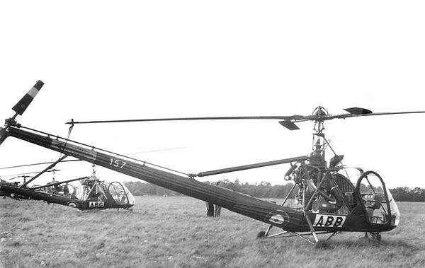 Les Hiller 157/ABB et 699/ABG vus au Buc