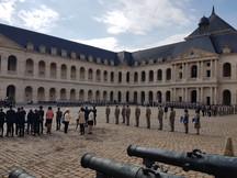 Prise d'Arme dans la cour des Invalides...