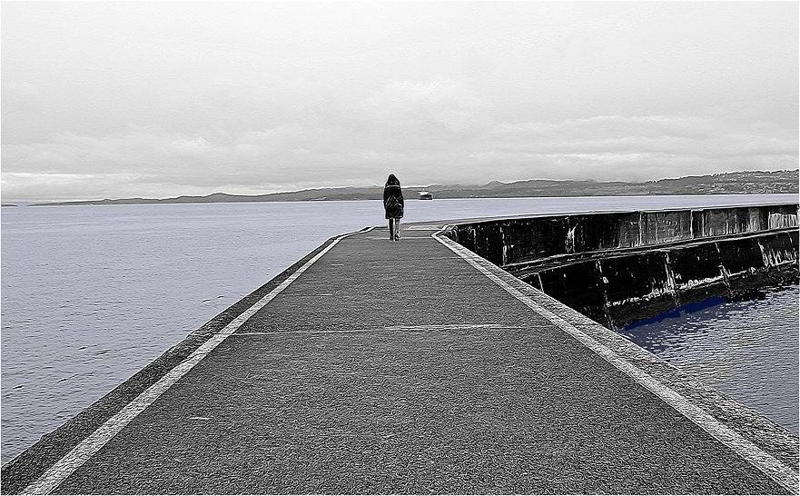 Victoria seawall walk