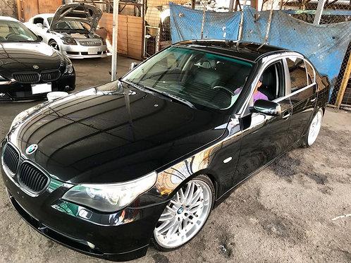 BMW 525i 2005 (VOLANTE ORIGINAL)